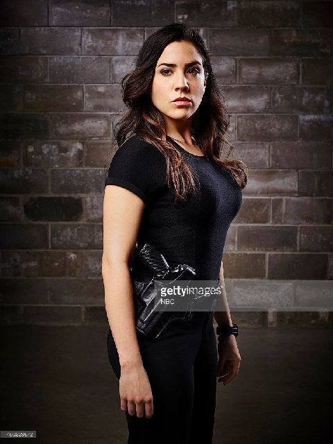 Somos primos a young laredoan has made it as an actress on national tv and is staring in blindspot on nbc monday night this young actor is audrey esparza from laredo fandeluxe Gallery