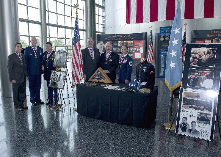 DIAs Recipients Of The Hispanic Medal Honor Societys Legacy Valor Pose In Front Exhibit With Society President Rick Leal And